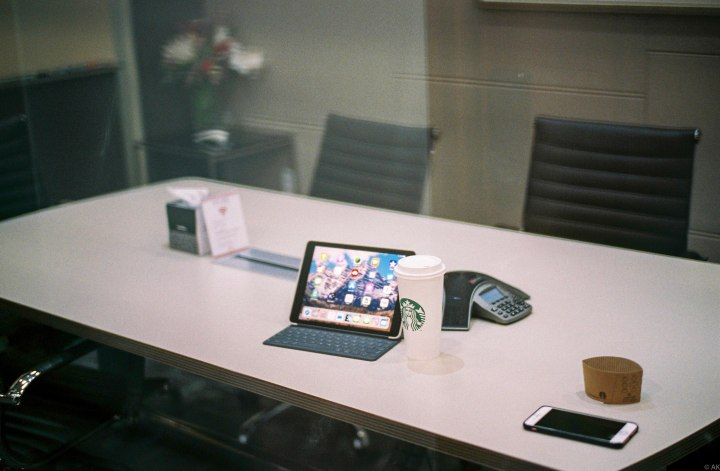 You can definitely have a pleasant business meeting.