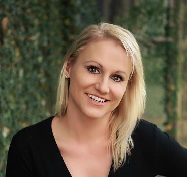 Melissa Lawson Headshot