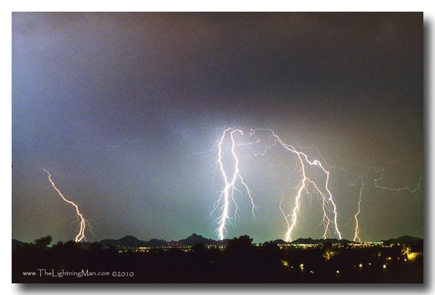 oax2 t 600DSs Lightning Thunderstorm View of Phoenix from Oaxaca Restaurant