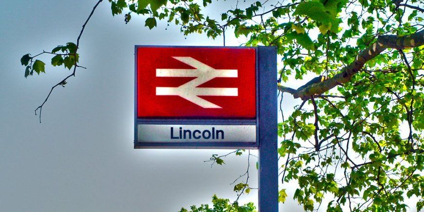 Train-Station-Lincoln-Central