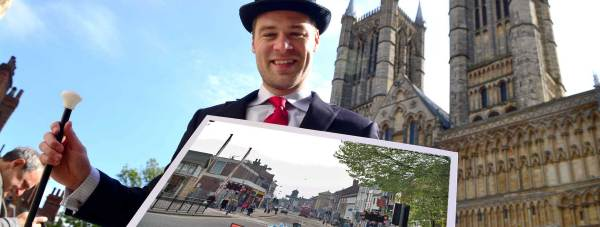 Photo: Steve Smailes. Montage: The Lincolnite