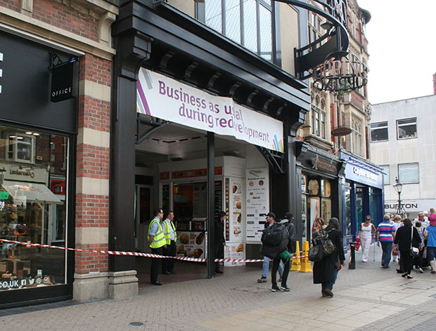 The High Street entrance to Waterside Shopping Centre has been temporarily closed.