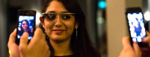 Shradha Mishra trying on the Google Glass at the VIP LincUpLive dinner. Photo: Paul Clarke