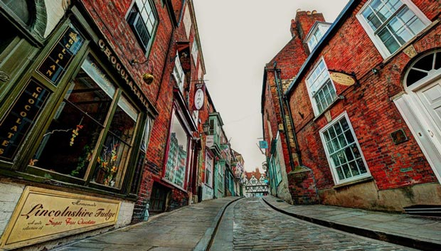 Adrian Leggett's winning image of Steep Hill, Lincoln.