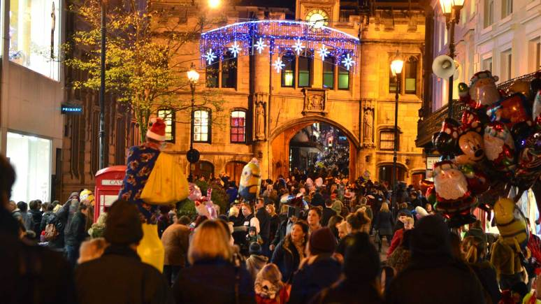 Lincoln High Street was lined with hundreds of people for the Christmas lights switch-on. Photo: Steve Smailes for The Lincolnite