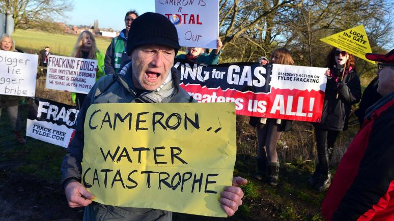 Anti-fracking protesters near Gainsborough, Lincolnshire, on January 13, 2014. Photo: Steve Smailes for The Lincolnite