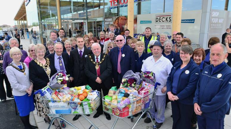 Managers, staff and civic guests celebrated the opening of the new Lincoln Texco Extra store on Wragby Road. Photo: Steve Smailes for The Lincolnite
