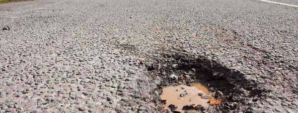 Pothole stock Fotolia copy