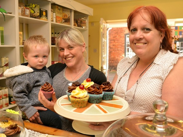 (L-R) Young customer Harry Smith, with his mum Sarah and Yellowbellys owner Linda Wardale