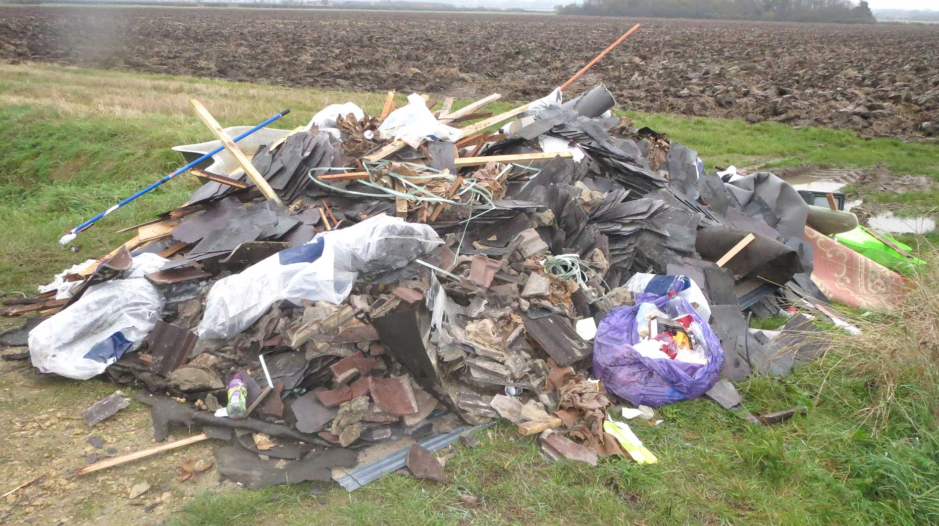 & Lincoln roofing company handed costly fly-tipping penalty memphite.com