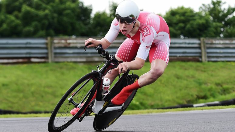 Matt Gibson of 100% ME competes in the Under 23 Category. Photo:  Alex Broadway/SWpix.com