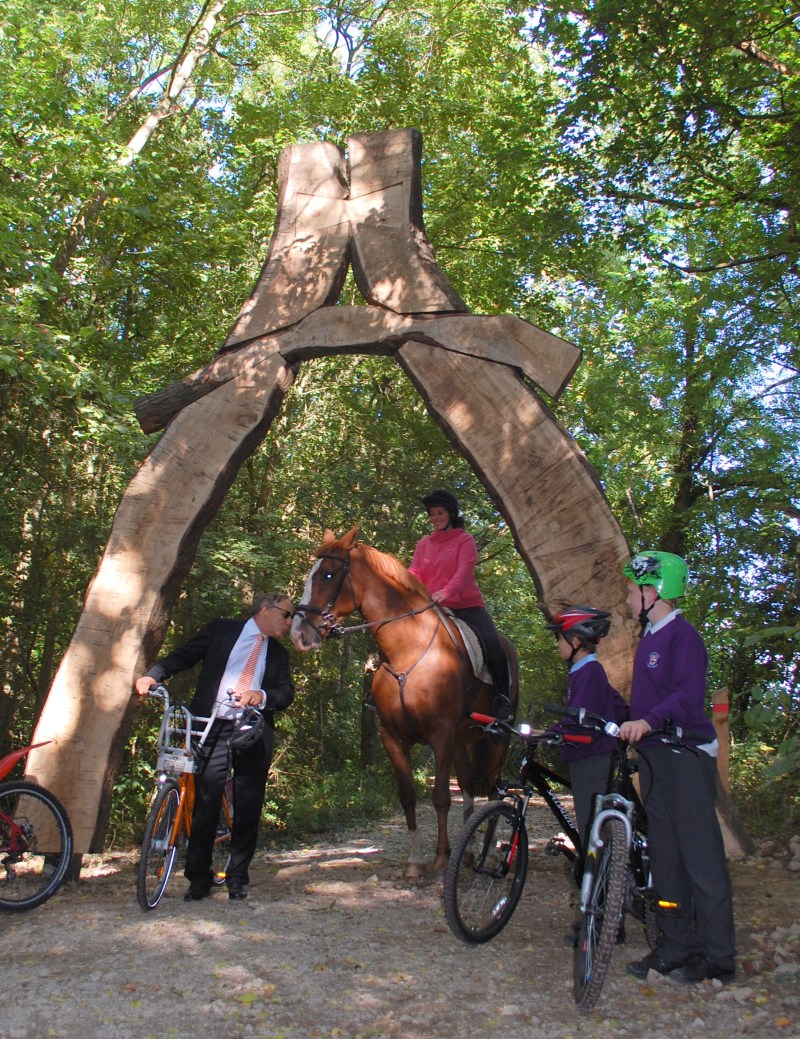 The oak sculpture forms a dramatic entrance for the trail, which can be enjoyed by cyclists, horse riders and walkers