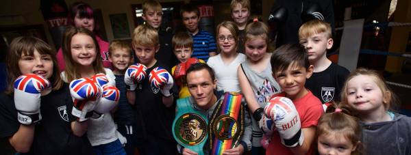 Josh Warrington visits Bracebridge Boxing Club. Photo: Steve Smailes for The Lincolnite