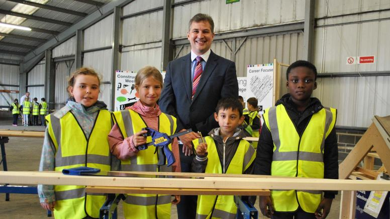 Rene Brown, Amelie Burton, Connor Merrills and Jephthah Ageynim Bonteng with CEO of The Lincoln College Group Gary Headland.