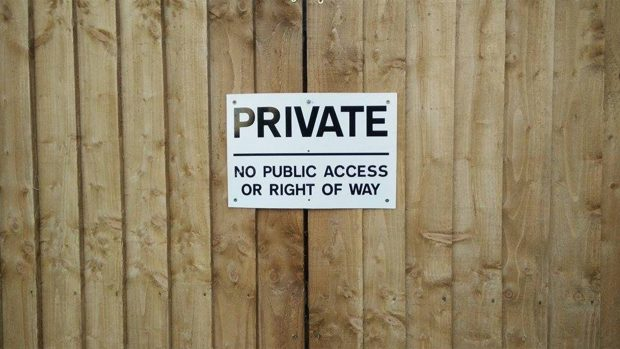 The sign put up at one end of the alleyway