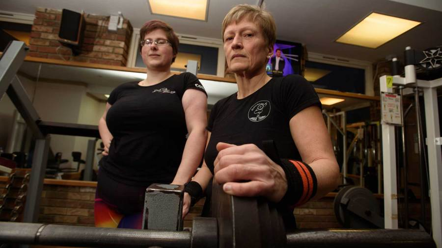 Powerlifting Lincoln granny to compete in world championships