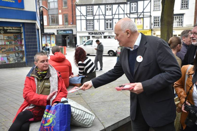 Iain Duncan Smith leafleting on Lincoln High Street. Photo: Steve Smailes for The Lincolnite