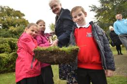 Mayor of Lincoln Councillor Yvonne Bodger cutting the turf on site with local school children. Photo: Steve Smailes for The Lincolnite