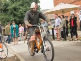 Video: Knights take new electric hire bikes onto streets of Lincoln