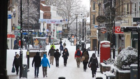 Snowy scenes on Lincoln High Street. Photo: Emily Norton for The Lincolnite