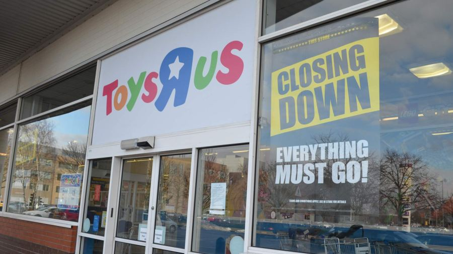 Closing Down Sale Begins At Lincoln Toys R Us