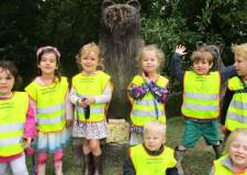 Nursery children say goodbye to armless Winston
