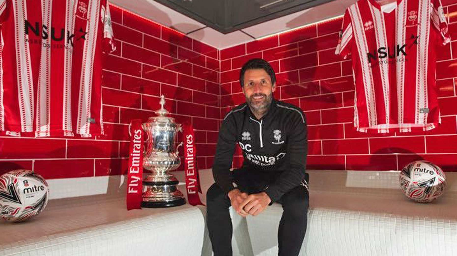 Danny Cowley leaving Lincoln for Huddersfield, reports say