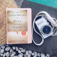 Review: The Monk who Sold His Ferrari - Robin Sharma