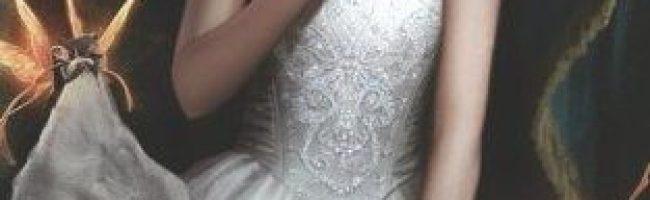 So Silver Bright by Lisa Mantchev