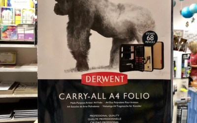 JUST ARRIVED – DERWENT CARRY-ALL A4 FOLIO