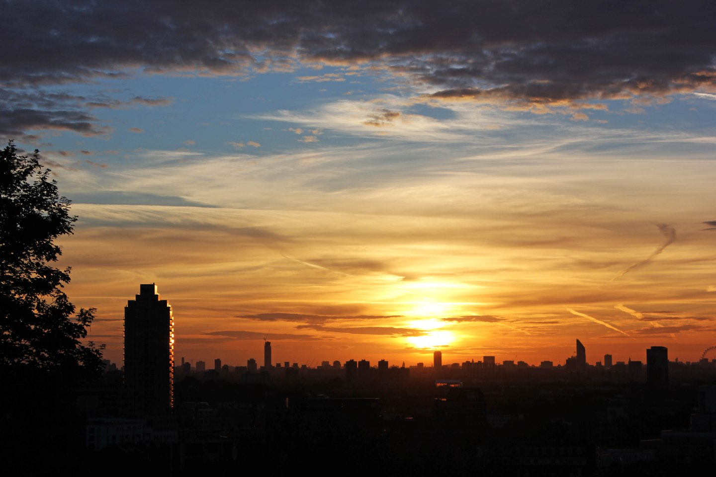 A London Sunset From Point Hill – In Photos