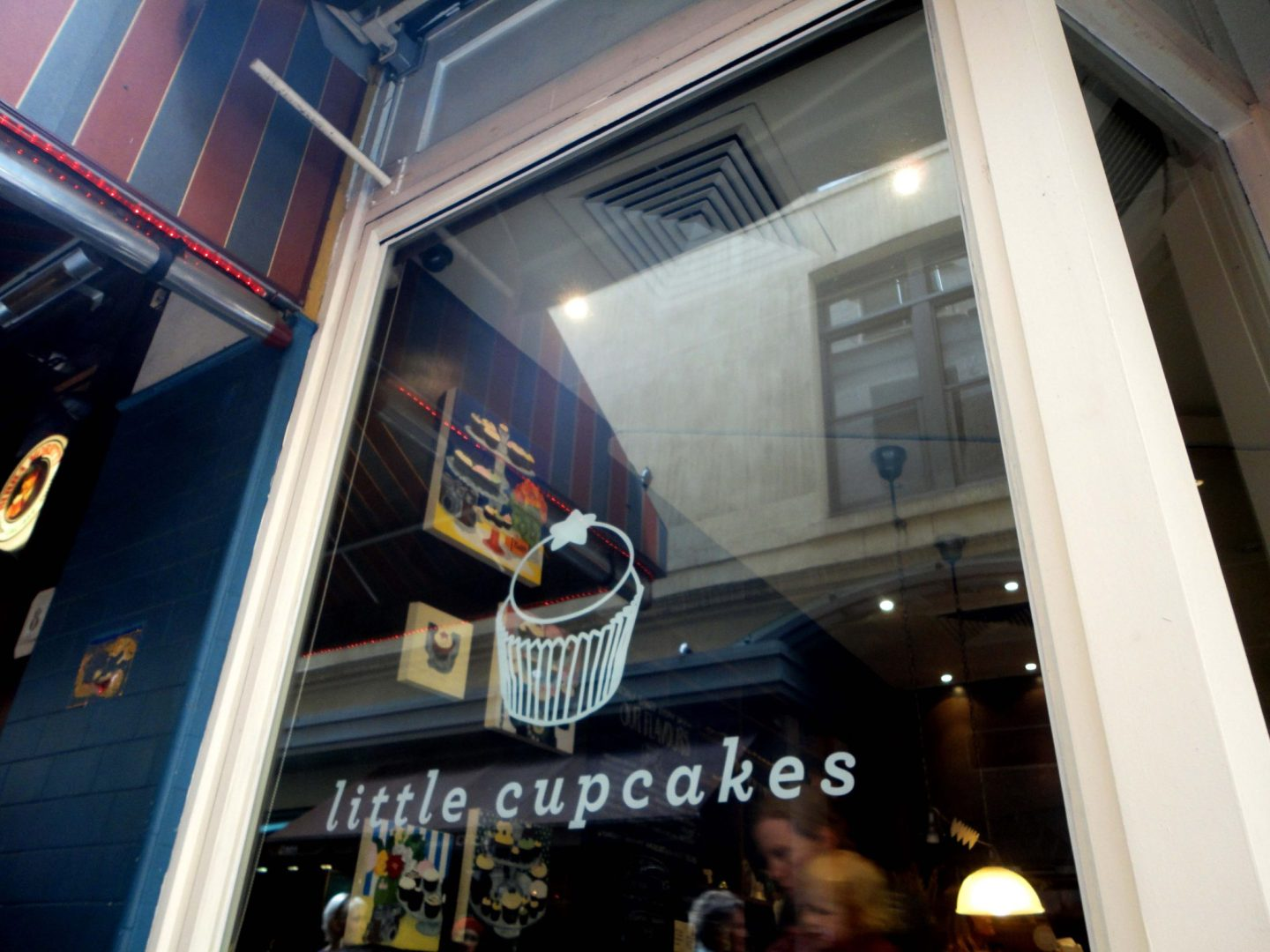 Exploring Melbourne's Laneways – The Little Cupcakes and More