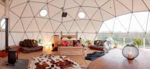 quirky accommodation with canopy and stars glorious-interior_cs_gallery_preview