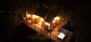 quirky accommodation with canopy and stars monbazillac-at-night-2_cs_gallery_preview