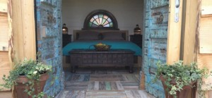 quirky accommodation with canopy and stars monbazillac-entrance_cs_gallery_preview