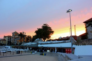 Things to do around Lisbon - walk the promenade