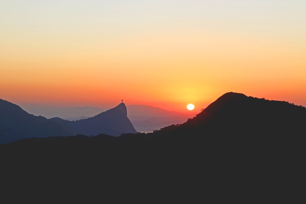 Watching Sunrise from Pedra Bonita