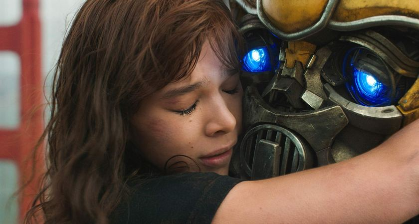 Bumblebee Movie is full of emotions and that makes it the best movie in the Transfomers franchise.   The Little Binger   Credit: United International Pictures