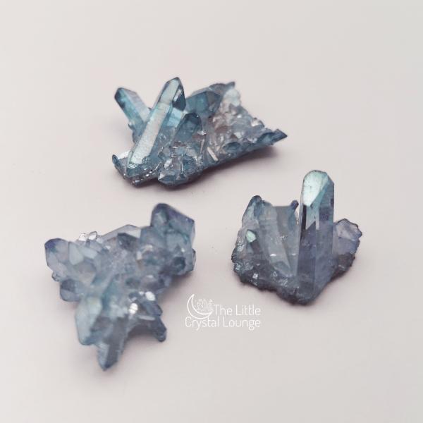 Aqua Aura Clusters