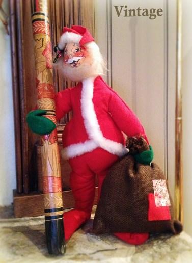 12 - Vintage - Santa