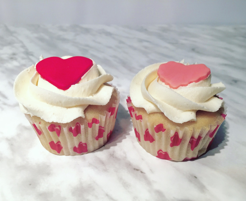 The Little Loft - valentines cupcakes 3