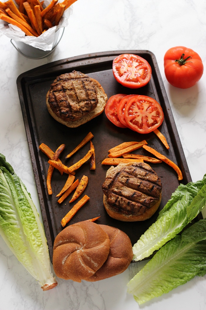 Healthy Turkey Burger recipe that is easy to prepare ahead of time, and great for the freezer.