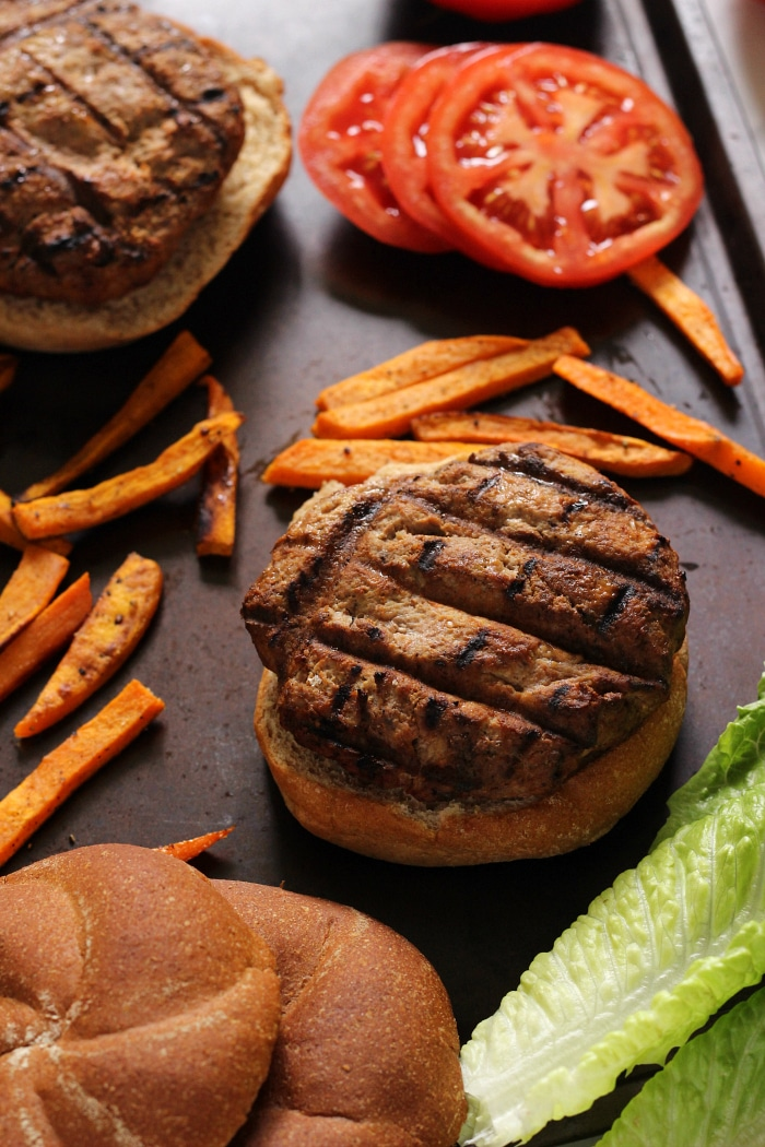 The BEST Healthy Turkey Burgers for a party!
