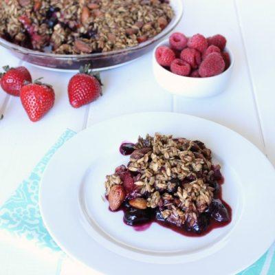 Healthy Summer Berry Crisp