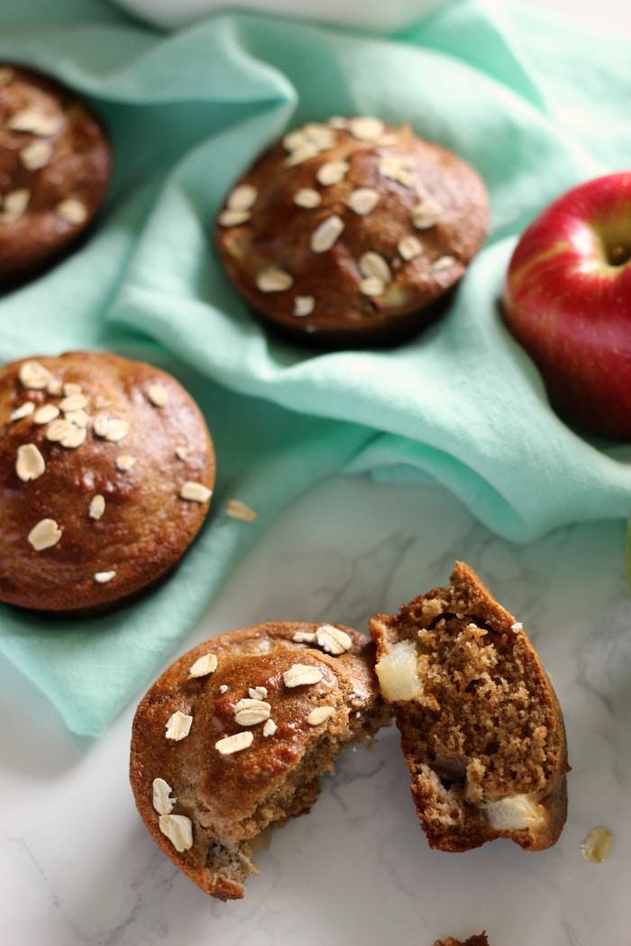apple-oat-muffins