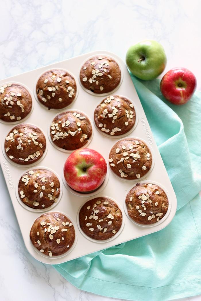 healthy-apple-oat-muffins