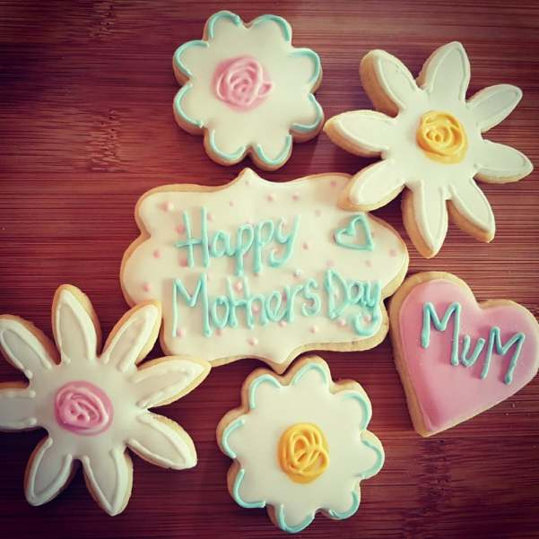 Liverpool Mothers Day Favour-it cookies