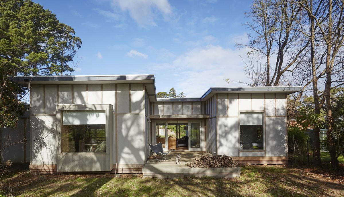 Australian Architecture, Shoreham Beach Shack by Sally Draper Architects, Shoreham, VIC, Australia (5)