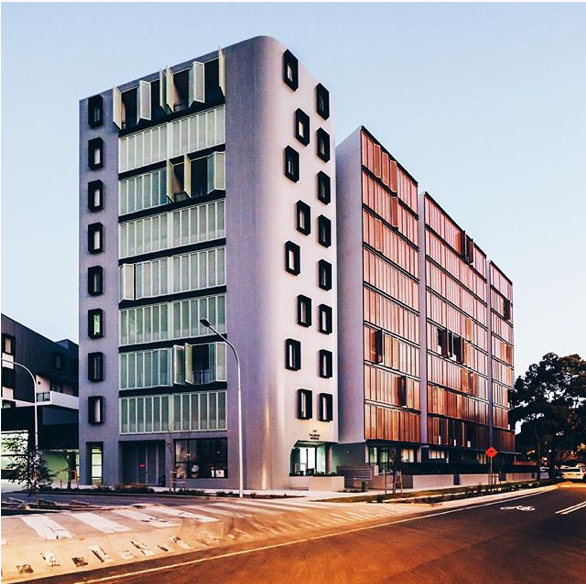 Overland Gardens residential apartments in Rosebery. Image by Michael Yip (@hintingimage)