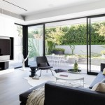 Being In A Sought After Area Of Leafy, Tree Lined Toorak